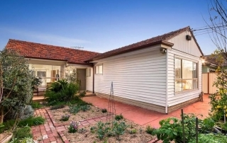 Six bidders compete for Thomastown home thumbnail