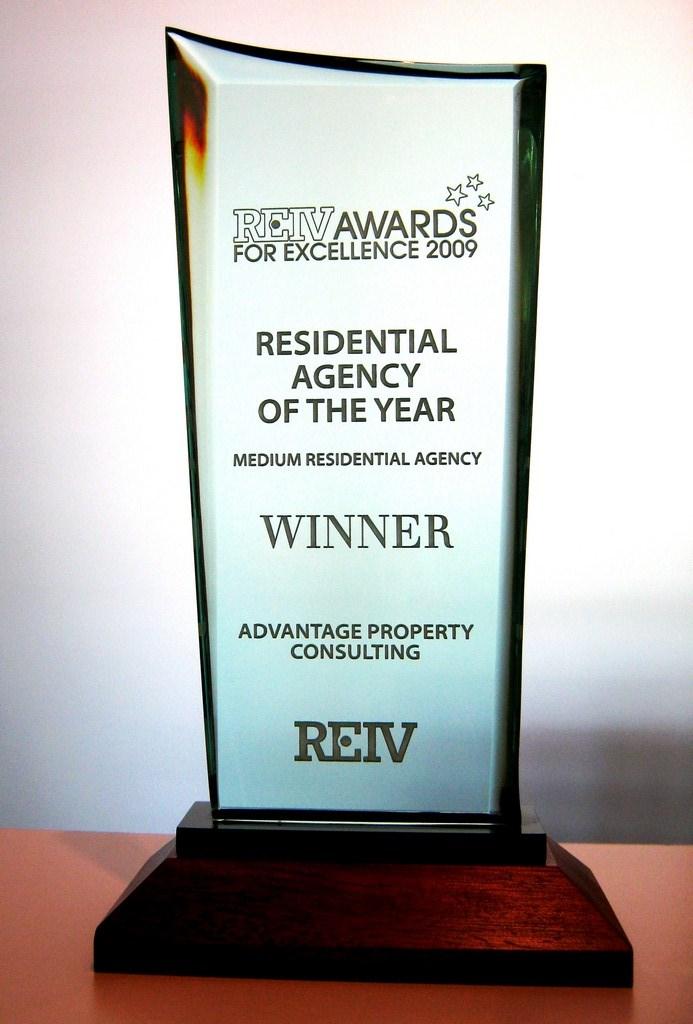 2009 - REIV Medium Residential Agency of the Year